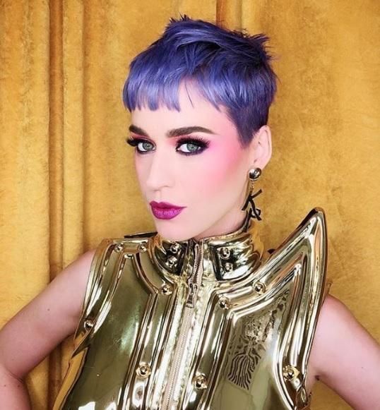 Katy Perry purple hair - www.salonbusiness.co.uk