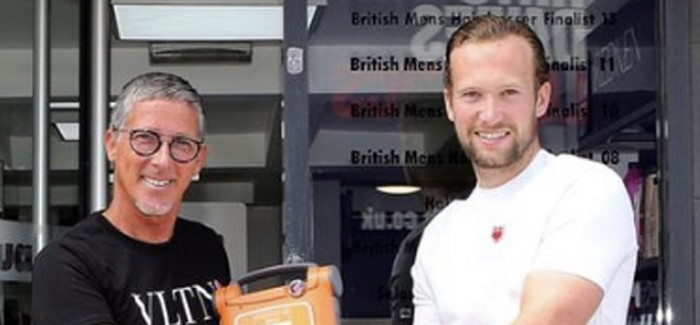 TONI&GUY BILLERICAY SALON RECEIVES AUTOMATED EXTERNAL DEFIBRILLATOR