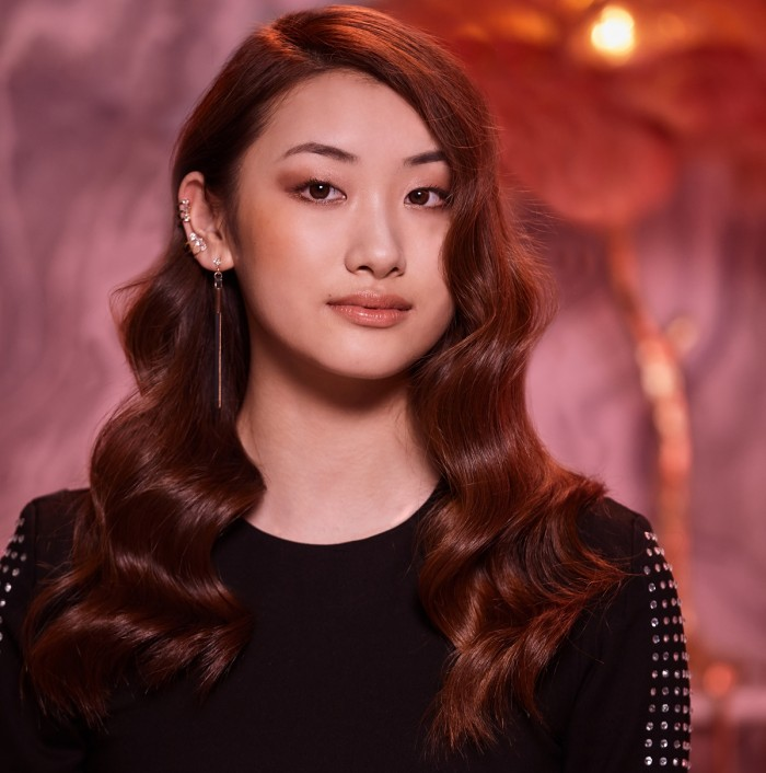 ghd Step By Step: Deluxe Queen – Voluptuous Party Wave